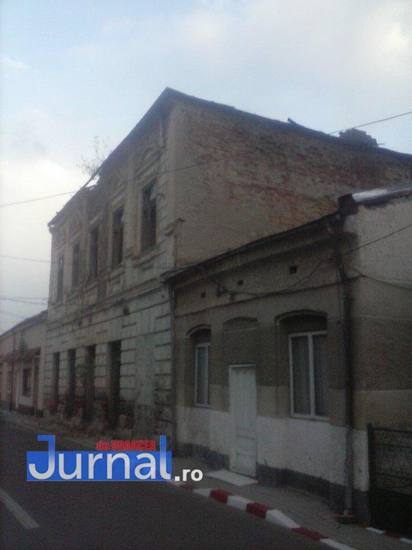 case evrei 11 - Galerie Foto: Marea plecare a evreilor din Vrancea sau apusul unei lumi în România