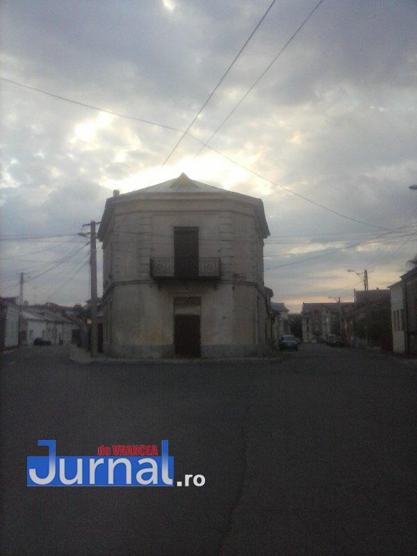 case evrei 14 - Galerie Foto: Marea plecare a evreilor din Vrancea sau apusul unei lumi în România