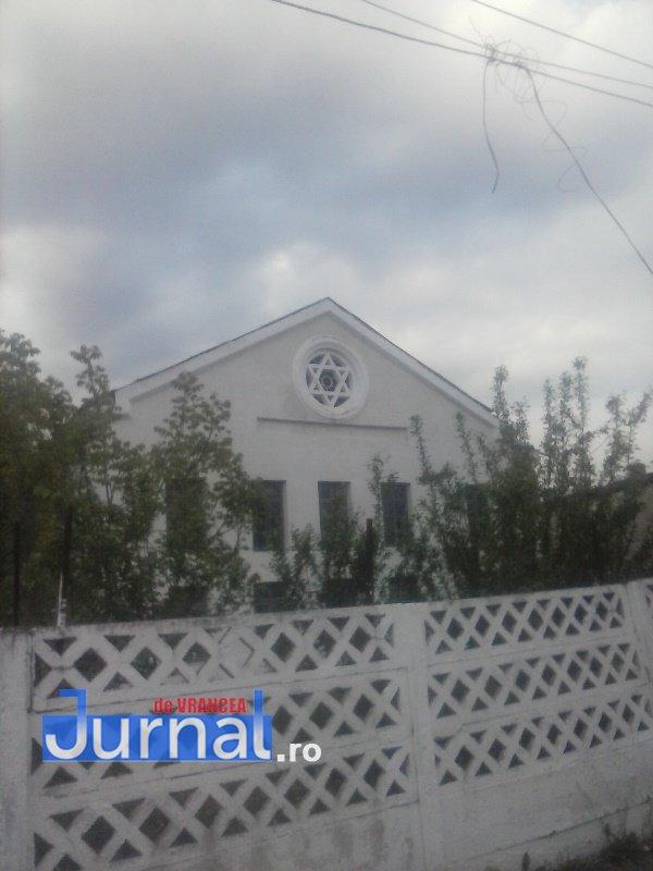 case evrei 18 - Galerie Foto: Marea plecare a evreilor din Vrancea sau apusul unei lumi în România