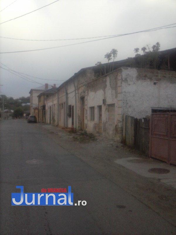case evrei 21 - Galerie Foto: Marea plecare a evreilor din Vrancea sau apusul unei lumi în România