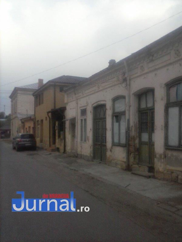 case evrei 23 - Galerie Foto: Marea plecare a evreilor din Vrancea sau apusul unei lumi în România