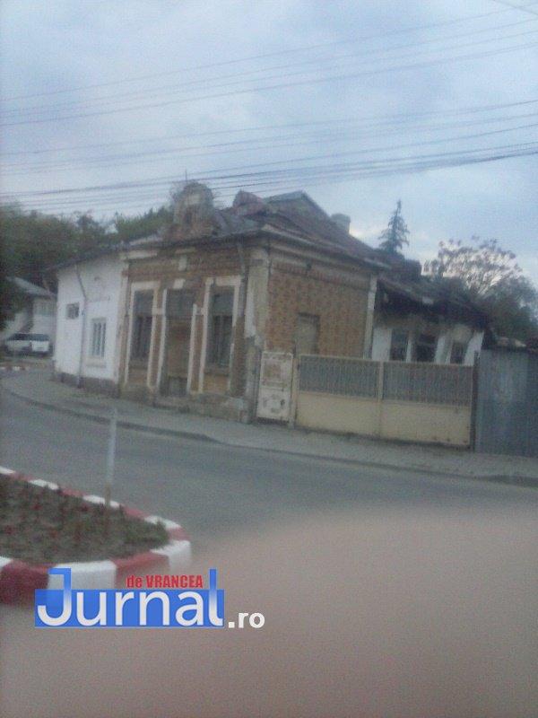 case evrei 6 - Galerie Foto: Marea plecare a evreilor din Vrancea sau apusul unei lumi în România