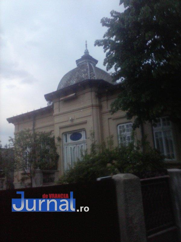 case evrei 7 - Galerie Foto: Marea plecare a evreilor din Vrancea sau apusul unei lumi în România