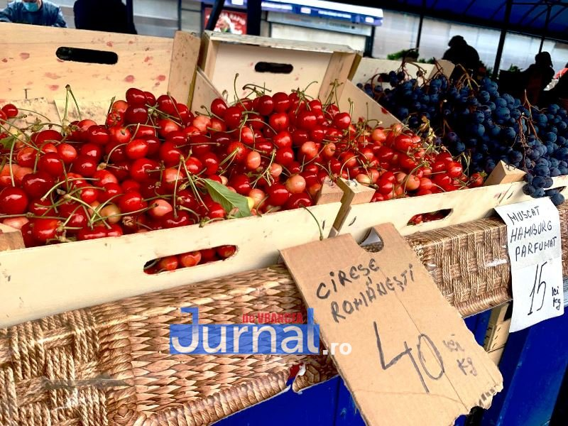 cirese piata 2 - FOTO: Au apărut primele cireșe în Piața Moldovei | Vezi cât costă un kilogram