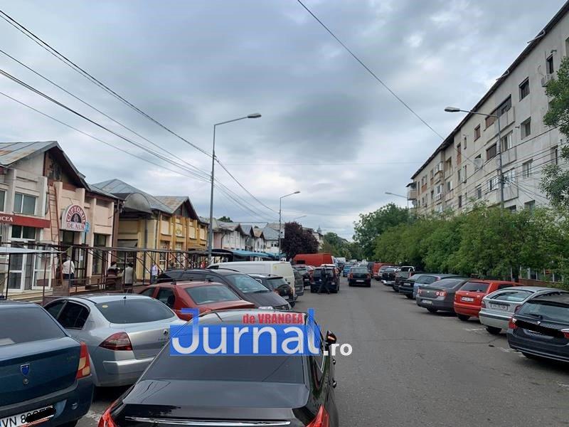 piata moldovei 5 - FOTO: Piața Moldovei, pandemia de coronavirus și distanțarea socială