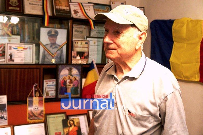 """col Durnescu 24 - VIDEO: Amintirile unui veteran de război. Colonelul (rtr) Ion Durnescu: """"Aș vrea să mai trăiesc ca să văd iarăși o Românie adevărată!"""""""