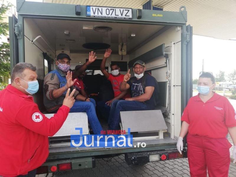 muncitori sri lanka 2 - Zeci de imigranți din Sri Lanka au fost ajutați de Crucea Roșie Vrancea să își găsească locuri de muncă în alte județe