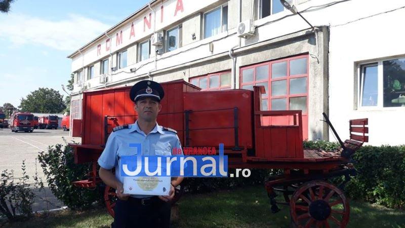 pompieri catalin paun 1 - Cătălin Păun, pompierul care nu a stat pe gânduri pentru a-și ajuta colegii să salveze victimele din cumplitul accident de ieri