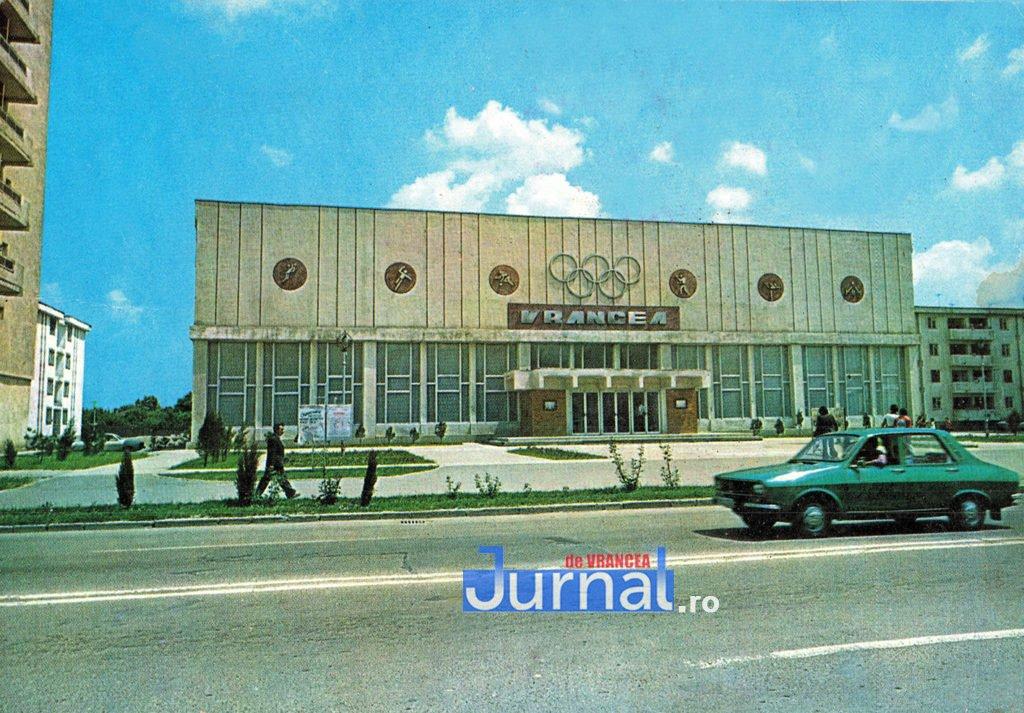 Sala Sporturilor 1984 V andreescu 1024x713 1 - Imagini de colecție! Cinci fotografii cu Focșaniul din anii `70