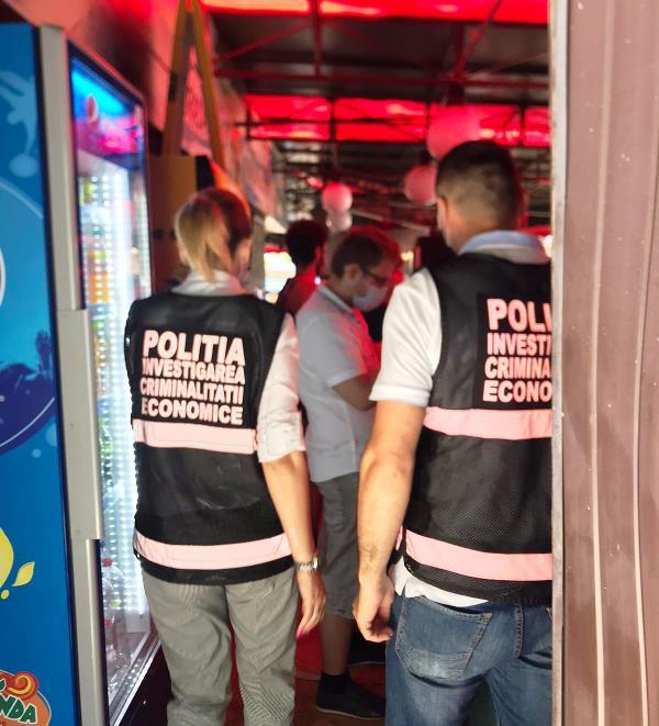 actiuni politie terase 2 - FOTO: Controale la terase, piscine, centre comerciale și piețe | Amenzi de aproape 16.000 de lei în urma controalelor din ultimele 24 de ore