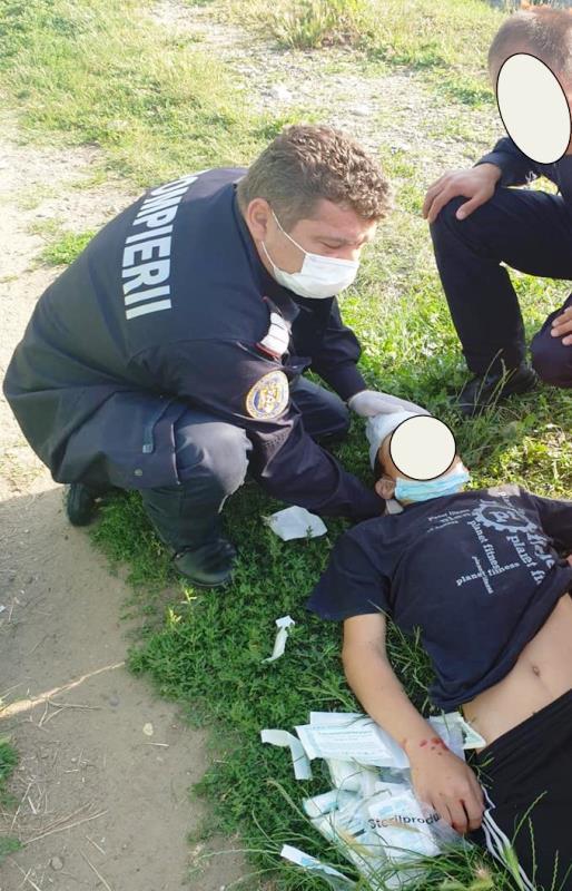 paiscar florin isu vrancea pompierul lunii 4 - Plutonier adjutant Florin Paiscar, pompierul care a salvat un adolescent rănit într-un accident rutier