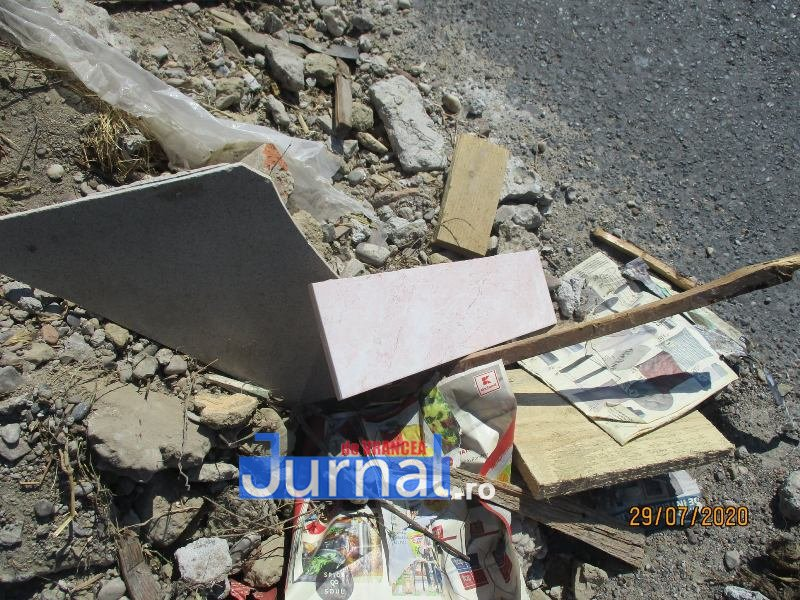 politia locala 3 - Sancționat pentru un morman de gunoaie aruncat chiar pe Centura Focșaniului!