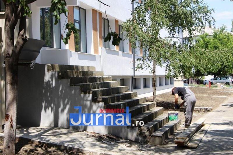 reparatii trepte scoala basgan focsani - Lucrările de la Școala 2, de la peste 6 milioane de lei bani europeni la un contract de 4,4. Cât a dat școala de la buget pentru reabilitarea completă