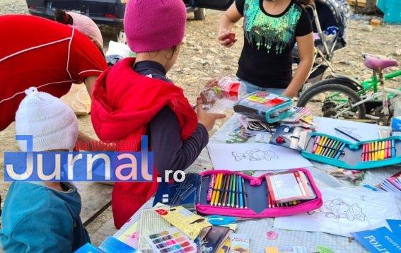 act umanitar ipj 2 - Gest umanitar! Mai mulți copii din Garoafa au primit rechizite de la polițiștii vrânceni!