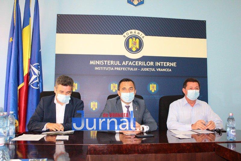 """dezbatere 5 - FOTO: Patru posibile variante pentru traseul drumului expres Focșani - Brăila. """"Vom avea asigurată finanțarea din fonduri europene"""", spune ministrul Ion Ștefan"""
