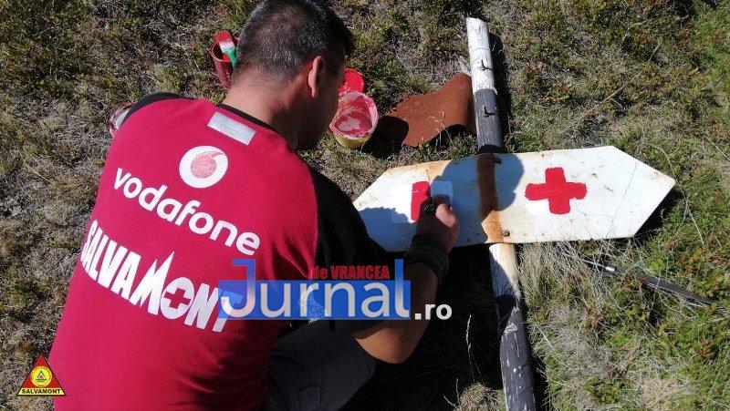 salvamont 2 - Salvamontiștii vrânceni au reabilitat mai multe trasee din Munții Vrancei