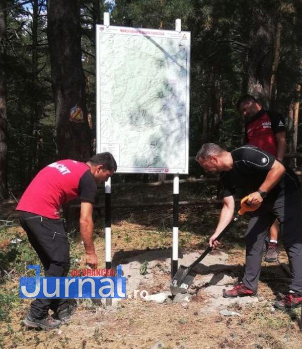 salvamont 3 - Salvamontiștii vrânceni au reabilitat mai multe trasee din Munții Vrancei