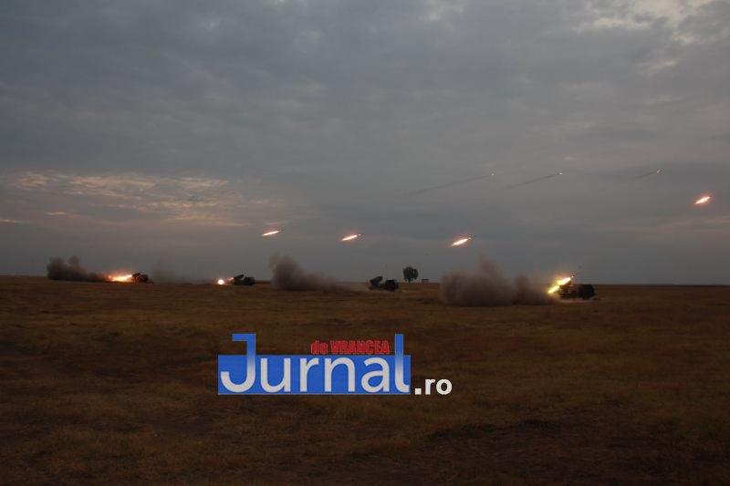 trageri 2 - Exerciții cu trageri reale de luptă executate de militarii Brigăzii 8 LAROM din Focșani