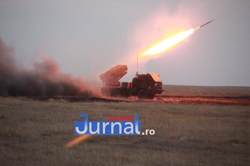trageri 3 - Exerciții cu trageri reale de luptă executate de militarii Brigăzii 8 LAROM din Focșani