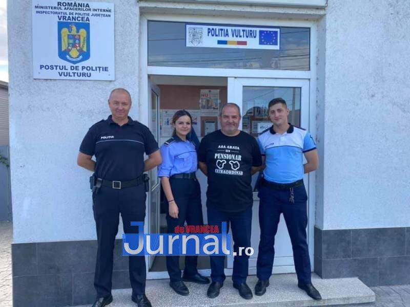 """Velica5 - Șeful Postului de Poliție Vulturu a ieșit la pensie. Agentul şef principal de poliţie Ionel Velica a primit Medalia """"Bărbăție și Credință"""" în 2012"""