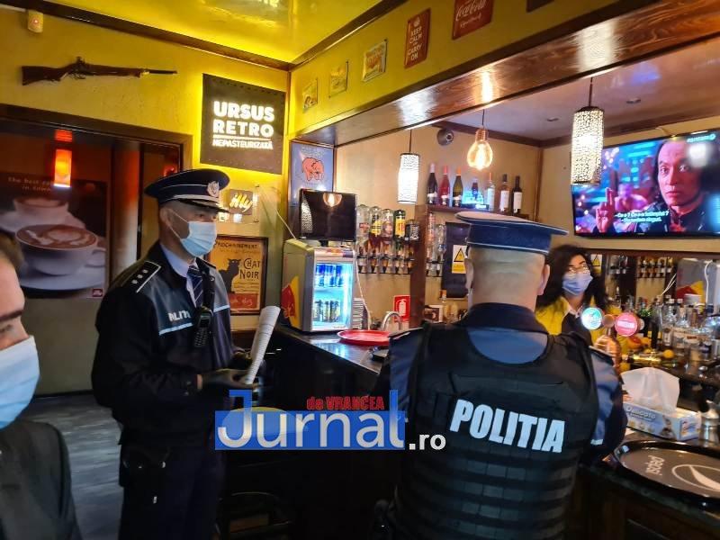 actiune 24oct 12 - Distracție întreruptă de polițiști. O petrecere la Lepșa și o cununie civilă la un restaurant din Focșani s-au finalizat azi noapte cu dosare penale, amenzi și legitimări