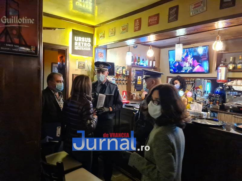 actiune 24oct 8 - Distracție întreruptă de polițiști. O petrecere la Lepșa și o cununie civilă la un restaurant din Focșani s-au finalizat azi noapte cu dosare penale, amenzi și legitimări
