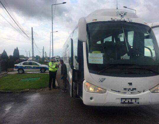 """actiune truck bus controale autobuz camion 2 538x420 - FOTO: Autovehiculele de transport public și de marfă verificate de polițiști în cadrul acțiunii """"Truck and Bus"""""""