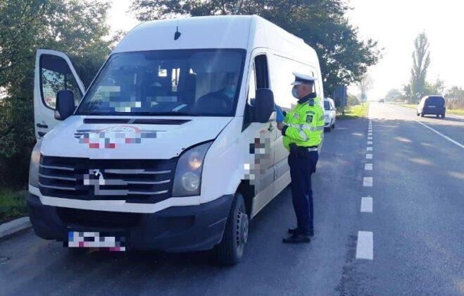 """actiune truck bus controale autobuz camion 4 659x420 - FOTO: Autovehiculele de transport public și de marfă verificate de polițiști în cadrul acțiunii """"Truck and Bus"""""""