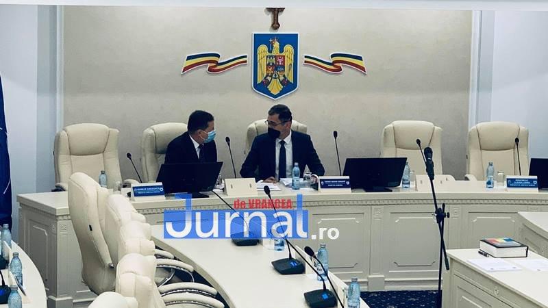 constituire cl focsani 1 - VIDEO: Consiliul Local Focșani este constituit în parte. Doar consilierii PNL au jurat azi pe Biblie