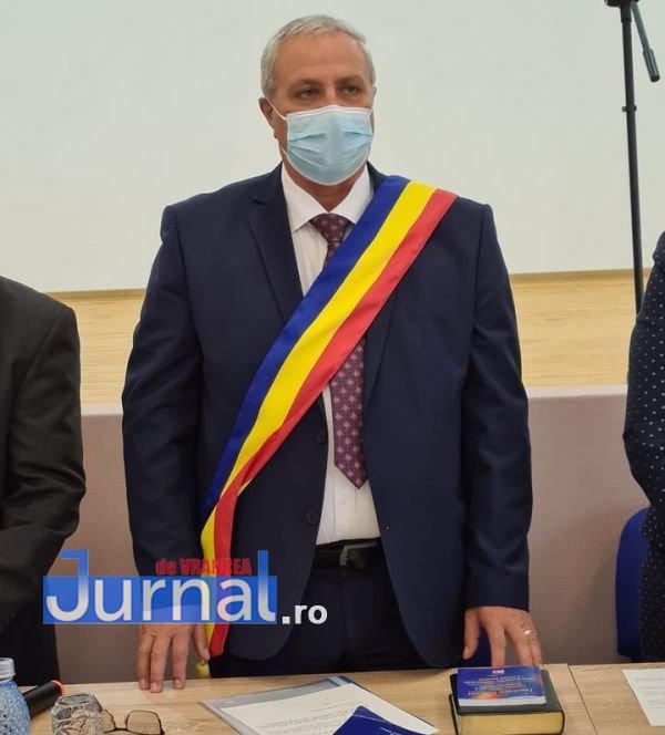 mariean plesea - Mariean Pleșea a jurat pentru al doilea mandat de primar al comunei Tâmboești