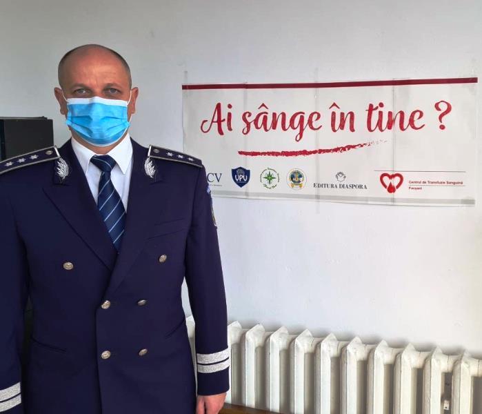 """politisti donatori sange 6 - FOTO: Polițiștii vrânceni, o nouă campanie de donare de sânge: """"O oră din viața dumneavoastră poate salva o viață!"""""""