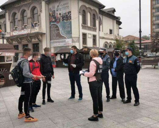 trafic persoane 3 522x420 - FOTO: Cetățenii din Focșani informați asupra riscurilor și implicațiilor asociate traficului de persoane