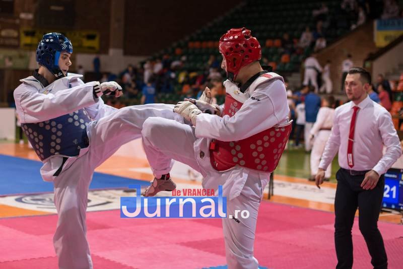 10 - Tânăr polițist vrâncean - campion național la taekwondo!