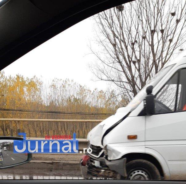 accid golesti 4 - ULTIMĂ ORĂ/ FOTO: Trei mașini s-au ciocnit la Golești. UPDATE