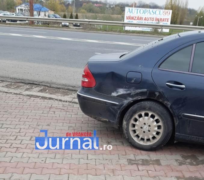 accid golesti 5 - ULTIMĂ ORĂ/ FOTO: Trei mașini s-au ciocnit la Golești. UPDATE