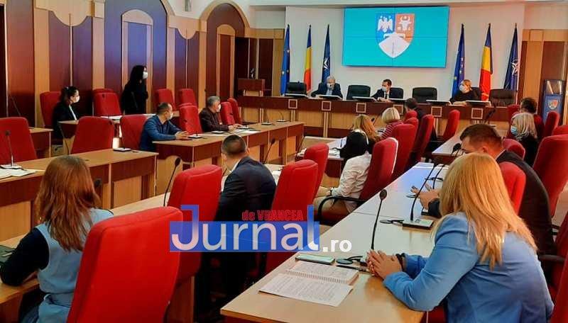 discutii cj 2 - Conducerea CJ Vrancea a hotărât realizarea unui proiect de promovare a județului!