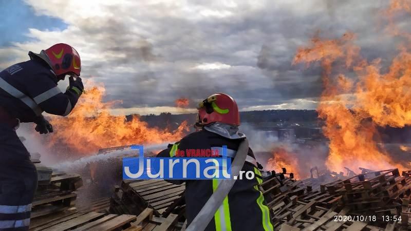 """gabriel vasile cucu 4 - Pompierul lunii octombrie, plutonier major Gabriel Vasile Cucu: """"Îmi doresc să pot salva cât mai multe vieți și să mă întorc acasă sănătos, la familia mea"""""""