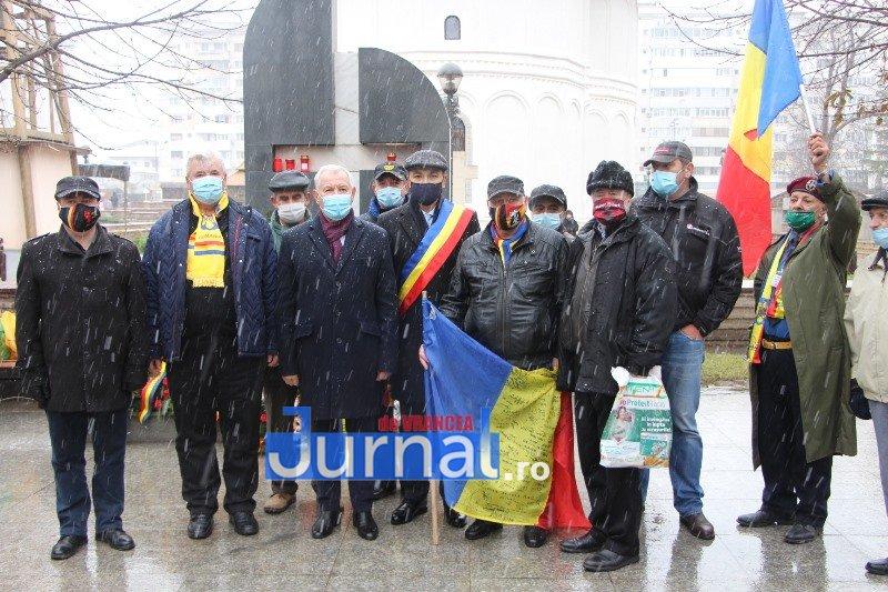 ceremonial eroi 1 - GALERIE FOTO: Eroii Revoluției din Decembrie 1989, comemorați în cadrul unui eveniment organizat de Primăria Focșani