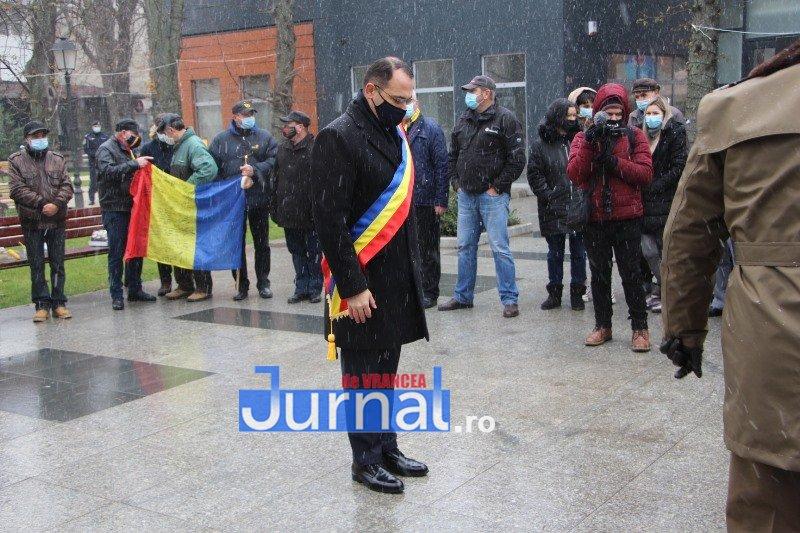 ceremonial eroi 11 - GALERIE FOTO: Eroii Revoluției din Decembrie 1989, comemorați în cadrul unui eveniment organizat de Primăria Focșani