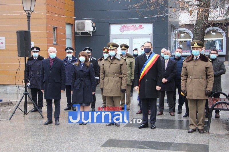 ceremonial eroi 12 - GALERIE FOTO: Eroii Revoluției din Decembrie 1989, comemorați în cadrul unui eveniment organizat de Primăria Focșani