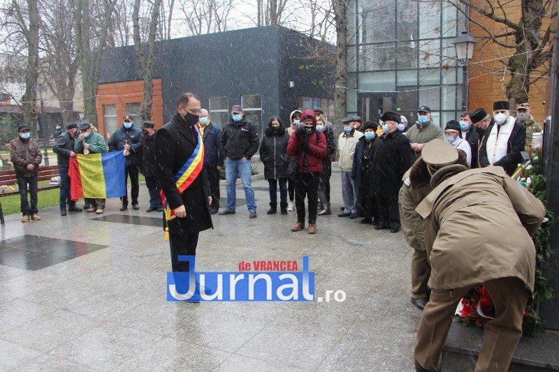 ceremonial eroi 14 - GALERIE FOTO: Eroii Revoluției din Decembrie 1989, comemorați în cadrul unui eveniment organizat de Primăria Focșani