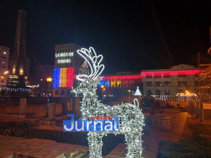 luminite sarbatori 17 - FOTO/ VIDEO. Vin, sărbătorile vin: Au fost aprinse luminile festive în Piața Unirii și în Orășelul Copiilor