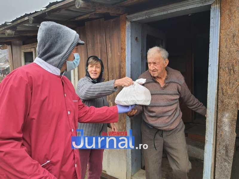 masa vizantea 6 - FOTO: Primăria Vizantea-Livezi se implică în distribuirea meselor calde pentru bătrânii de peste 75 de ani fără venituri sau cu venituri mici