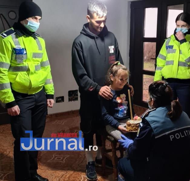 sf andrei ipj 10 - GALERIE FOTO: Onomastică de neuitat pentru Andrei și Andreea, copiii de suflet ai polițiștilor vrânceni