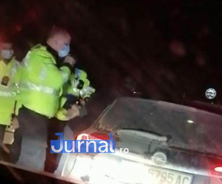 urmarire trafic 3 - FOTO: Șofer încătușat după ce a lovit o mașină și a fugit de la locul faptei